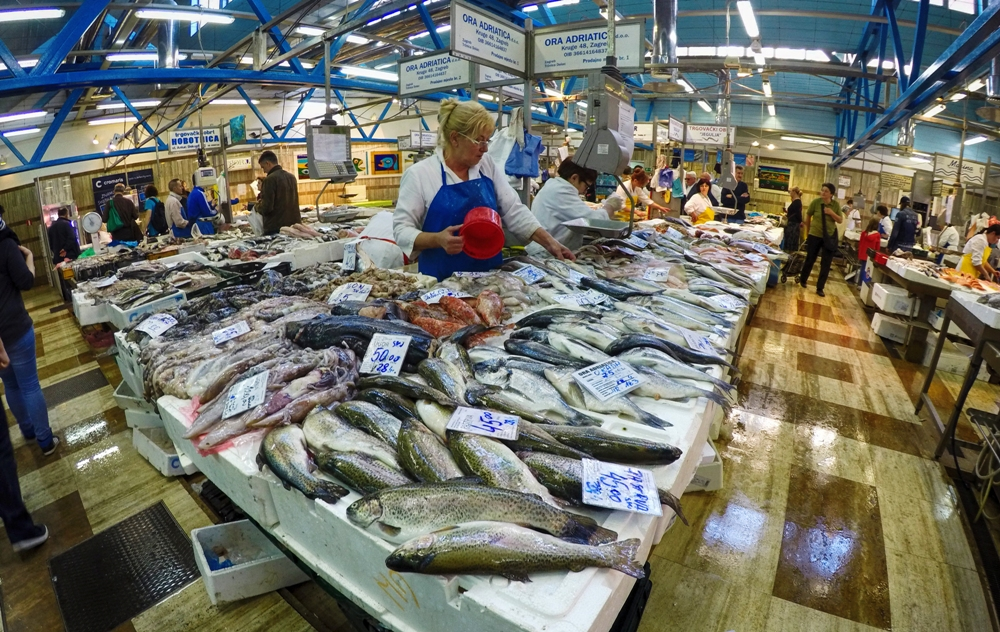 The fish market sells fresh seafood every day