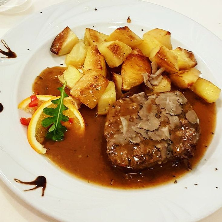 Steak in truffle sauce Navetta