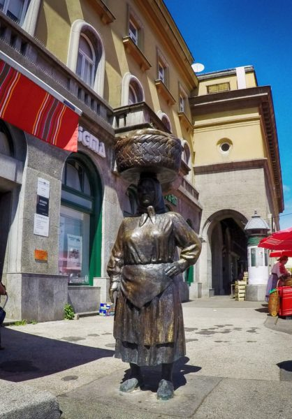 "Statue of market woman ""Kumica Barica"" at Dolac"
