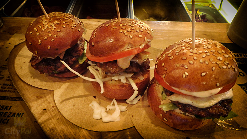 yellow_submarine_burgers_in_zagreb-(5)