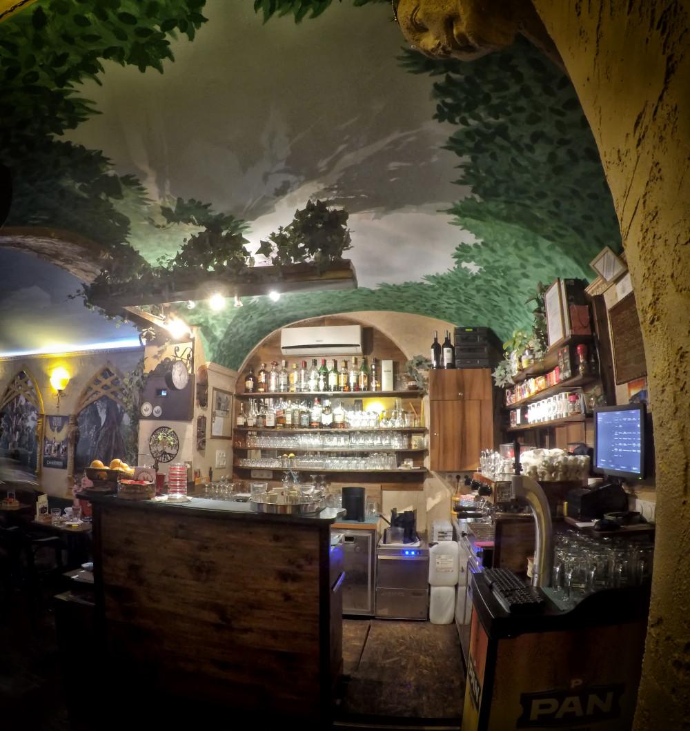 the treehouse caffe