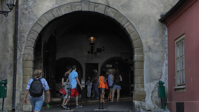 Zagreb sights – Kamenita vrata (The Stone Gates)