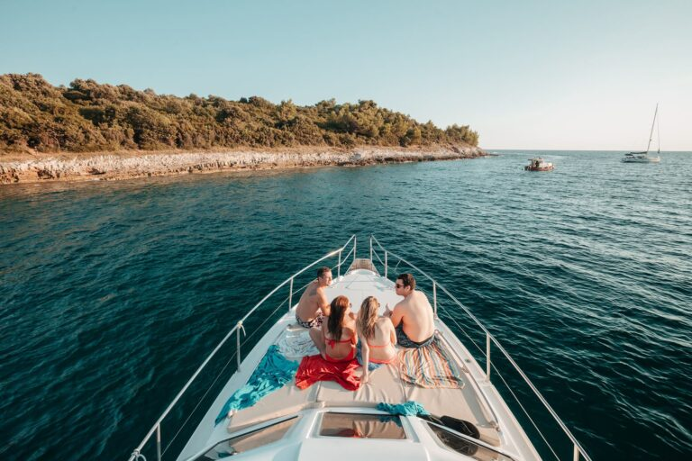 Private boat tours in Pula